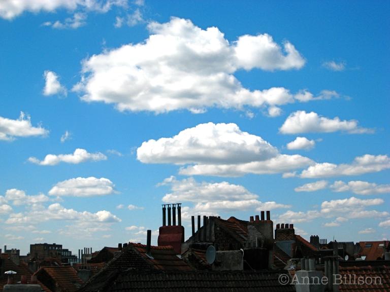 Magritte wolken: St-Gillis