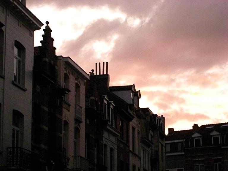 Roze hemel: Portugalstraat, St-Gilles.