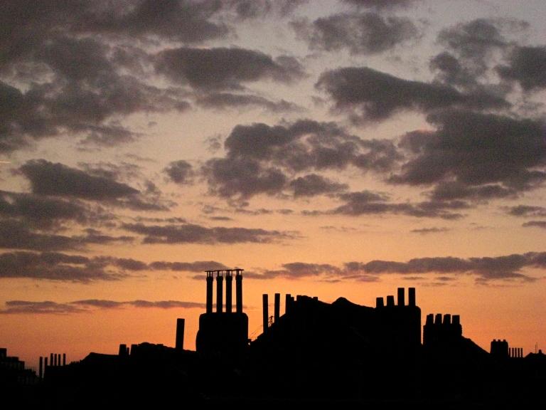 Paarse wolken: St-Gilles.