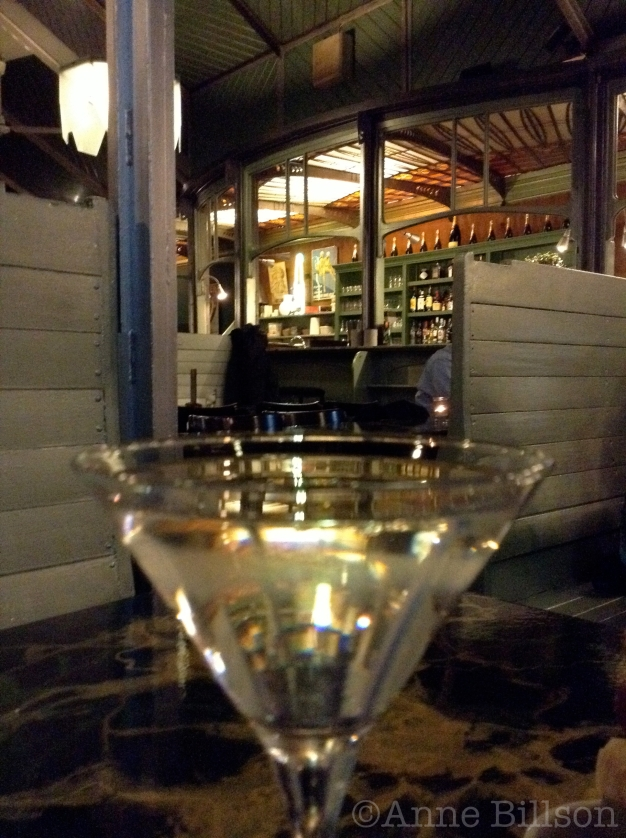 Dry Martini bij De Ultieme Hallucinatie, Koningsstraat 316, Sint-Joost-ten-Node.