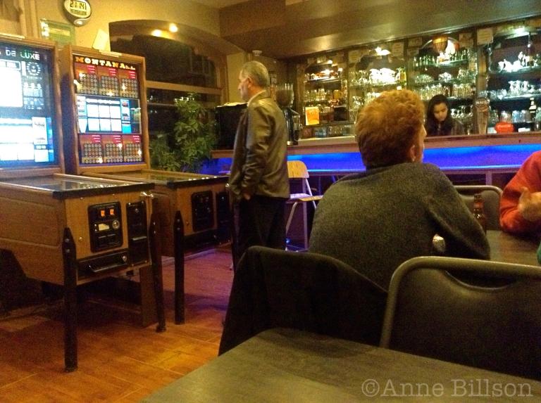 Chimay Bleue 9%: Cafe Santa Marta, Spanjestraat 85, St-Gillis.