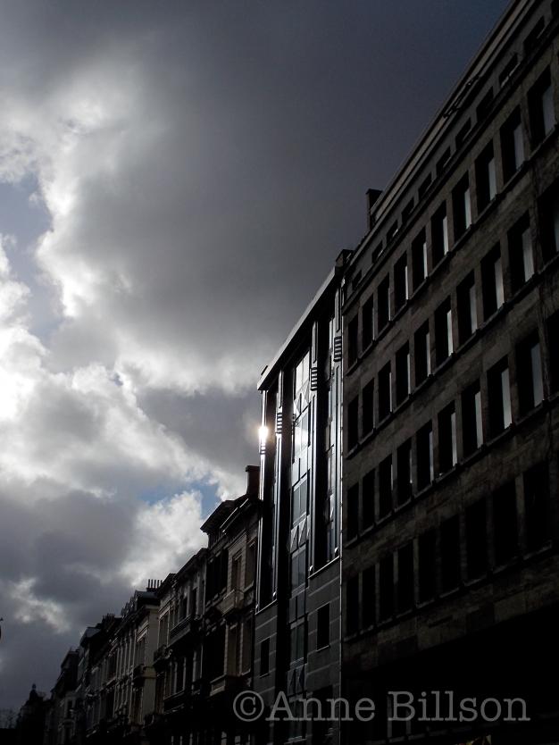 Gereflecteerd licht: Verenigingstraat, Brussel.
