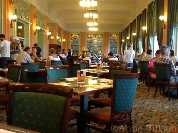 diningroomw