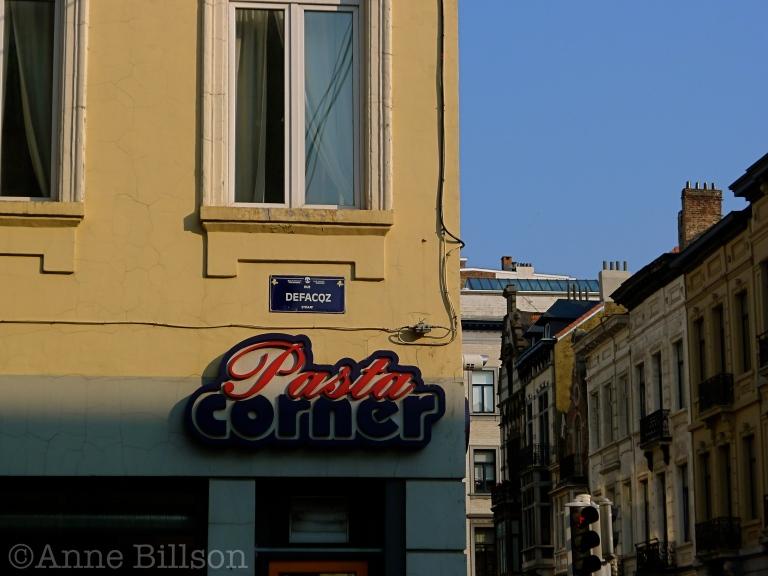 Pasta Corner: Defacqzstraat, Elsene.