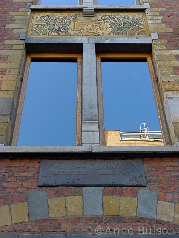 Maison Hankar (architect Paul Hankar, 1893): Defacqzstraat 71, Elsene.