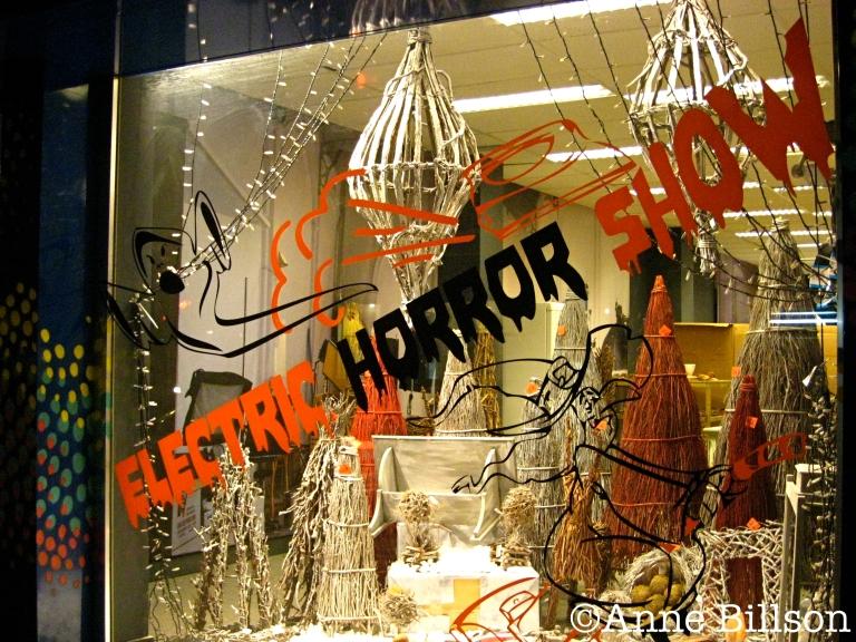 Electric Horror Show: Waterloosesteenweg, Elsene.