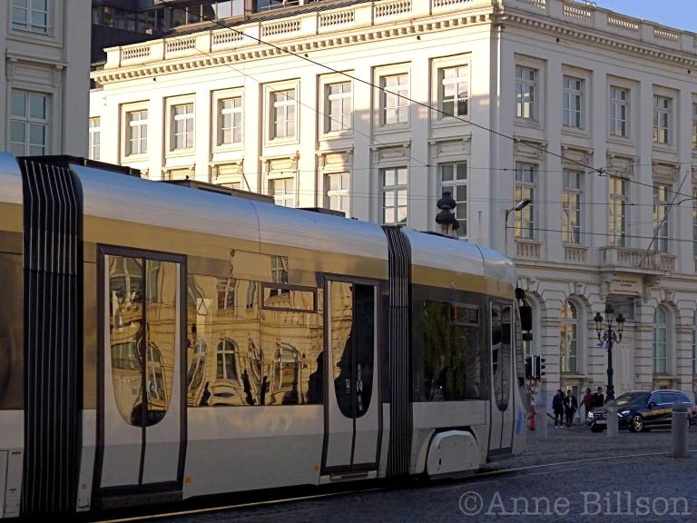 Reflecterende tram: Koningsplein, Brussel.