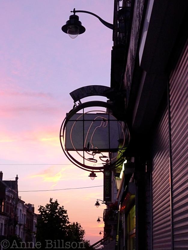 Telefoon: Waterloosesteenweg, Sint-Gillis.