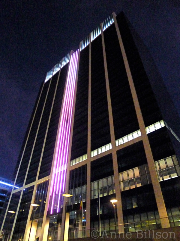 Finance Tower bij nacht: Kruidtuinlaan, Brussel.