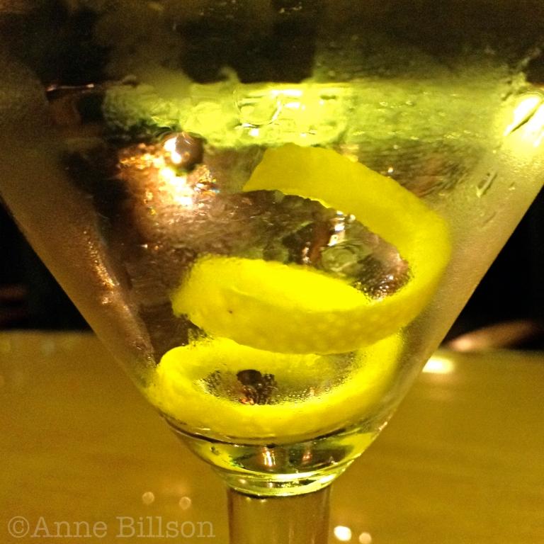 Tanqueray Dry Martini: L'Archiduc, Antoine Dansaertstraat 6, Brussel.