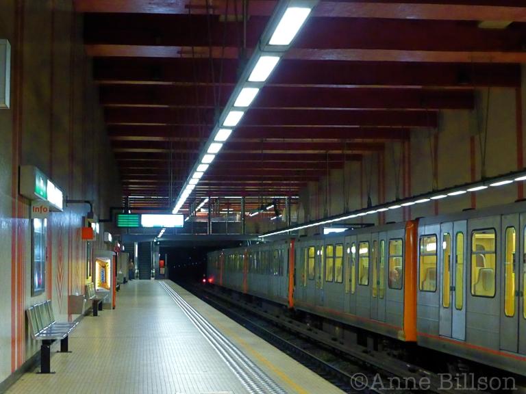 Ijzer metrostation: Antwerpselaan, Brussel.