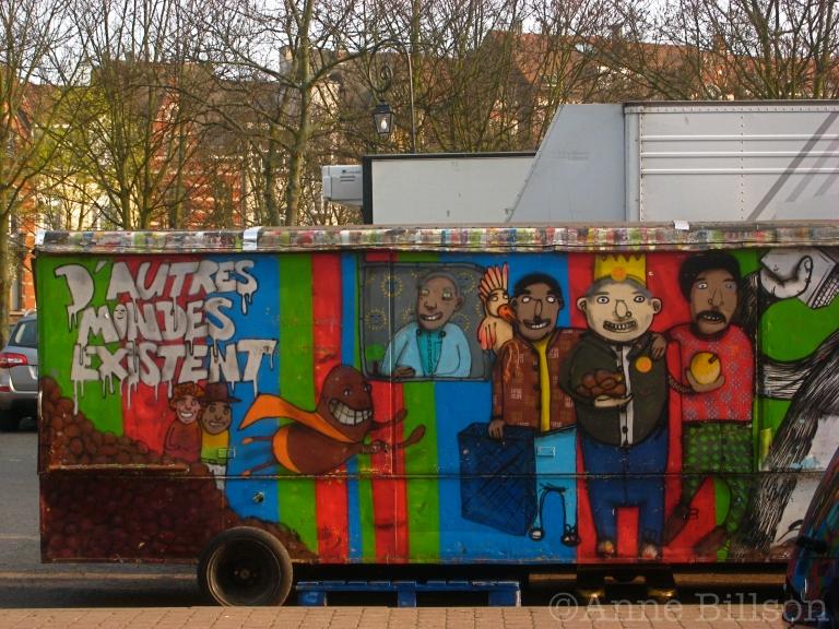 D'autres mondes existent: Jourdanstraat, Sint-Gillis.
