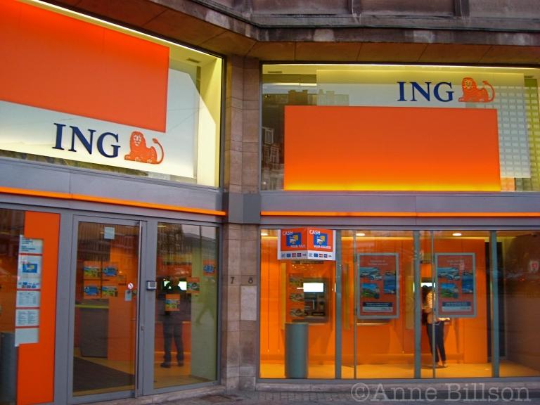 ING: Louizaplein, Sint-Gillis.