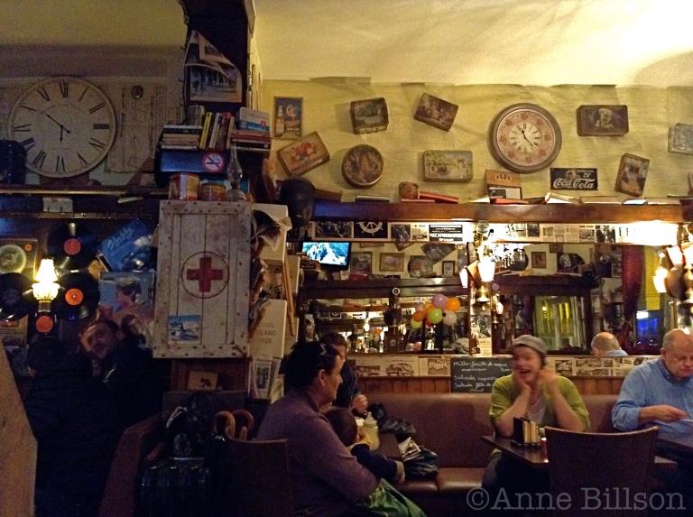 Sam café panorama: Charleroise Steenweg, 171, Sint-Gillis.