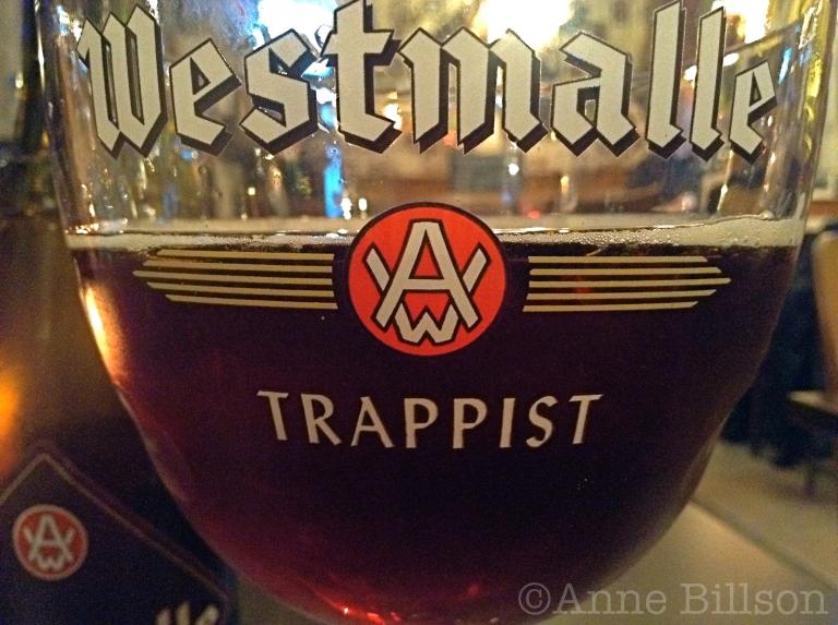 Westmalle dubbel, 7%: Sam café, Charleroise Steenweg 171, Sint-Gillis.