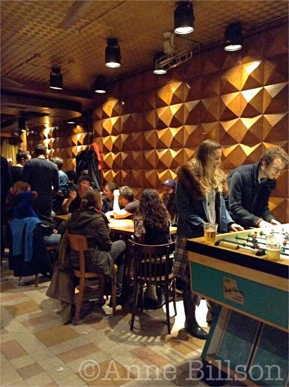 Buiten mijn comfortzone: Le Café Central, Borgwal 14, Brussel.