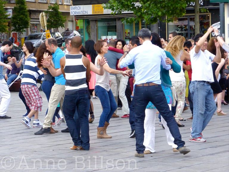 Dansers: Flageyplein, Elsene.