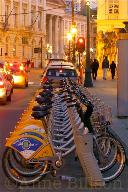 Biker2biker: Koningsstraat, Brussel.