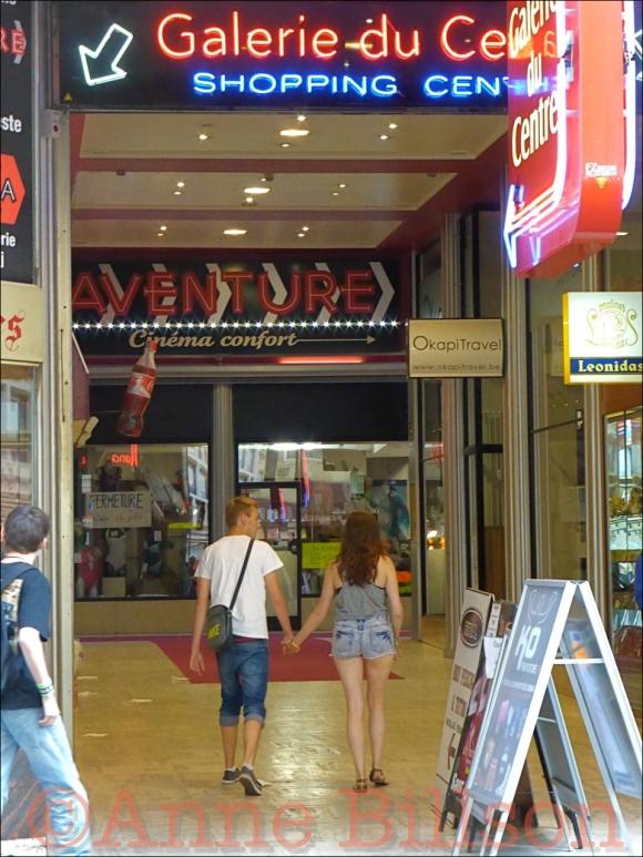Aventure cinéma confort: Centrumgalerij, Kleerkoperstraat 57, Brussel.