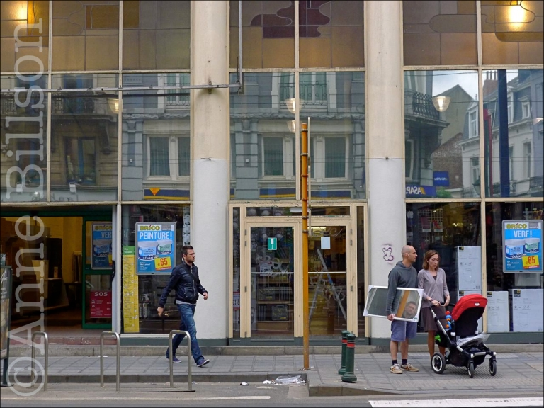 Brico spiegel: Charleroise Steenweg, Sint-Gillis.
