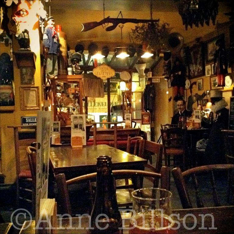 Poechenellekelder: Eikstraat 5, Brussel.
