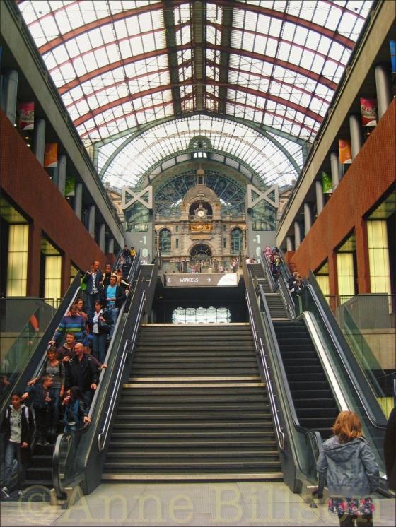 Winkels: Antwerpen Station, Antwerpen.