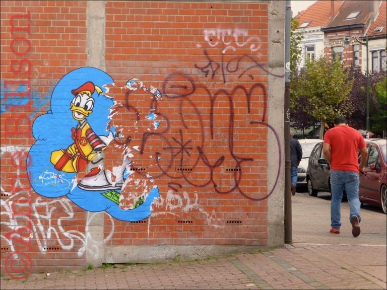 Donald Duck: Waterloosesteenweg, Sint-Gillis.