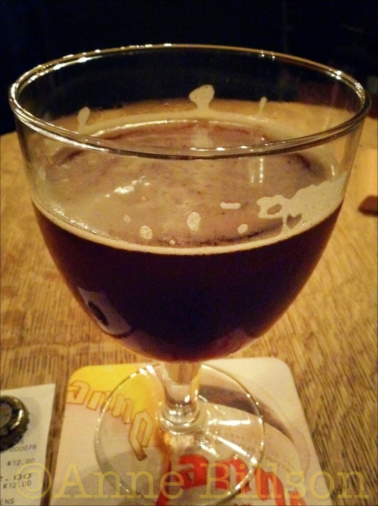 Het duurste bier (€12!): Trappist Westvleteren 8, 8%: Au Bon Vieux Temps, Sint-Niklaasgang 4, Brussel.