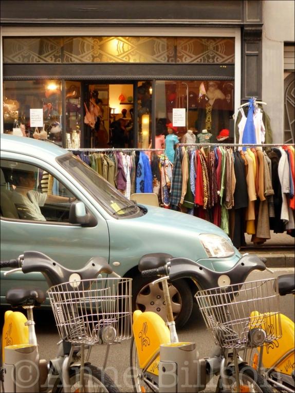 Kledingrekken: Blaesstraat, Brussel.