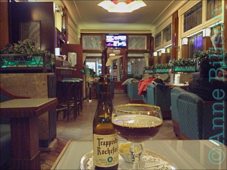 Rochefort 8 (9.2%): Taverne Esperance, Finisterraestraat 1-3, Brussel.