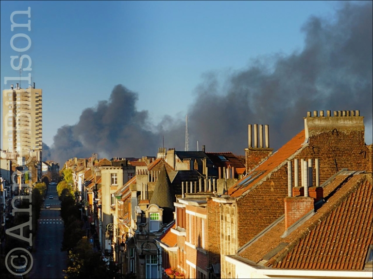 Brand in Anderlecht: uitzicht van mijn raam, Sint-Gillis.