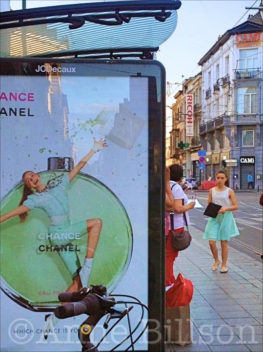 Chance Chanel: Charleroise Steenweg, Sint-Gillis.