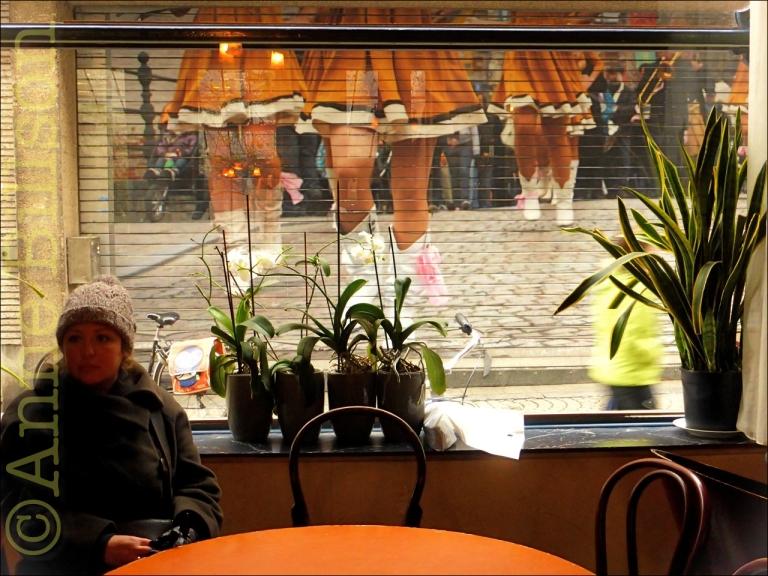 Benen: Cafe de Gouden Vis, Nauwstraat 7, Mechelen.