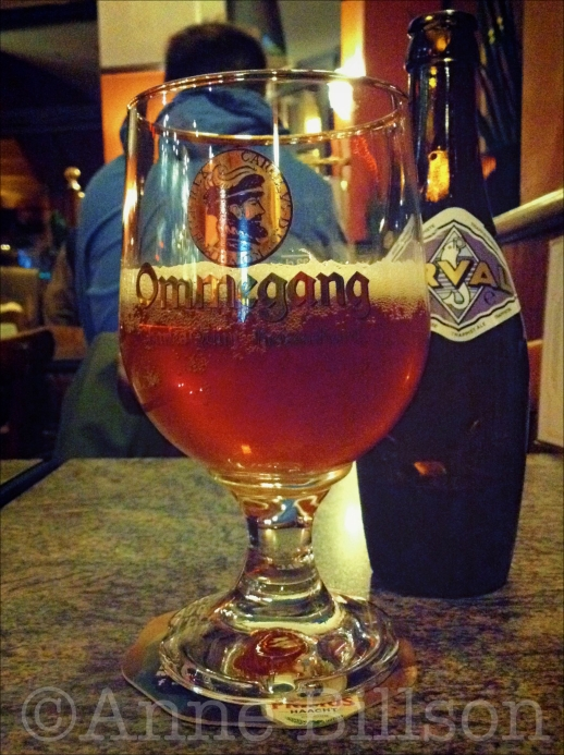 Orval, 6.2%, in een Ommegang glas: The Duke, Waterleidingsstraat 111, Elsene.