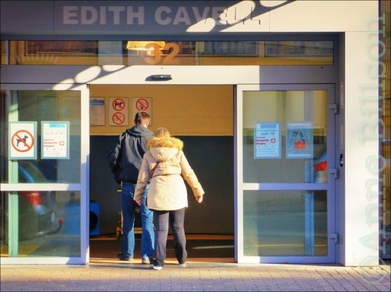 Ziekenhuis Edith Cavell: Edith Cavellstraat 32, Ukkel.