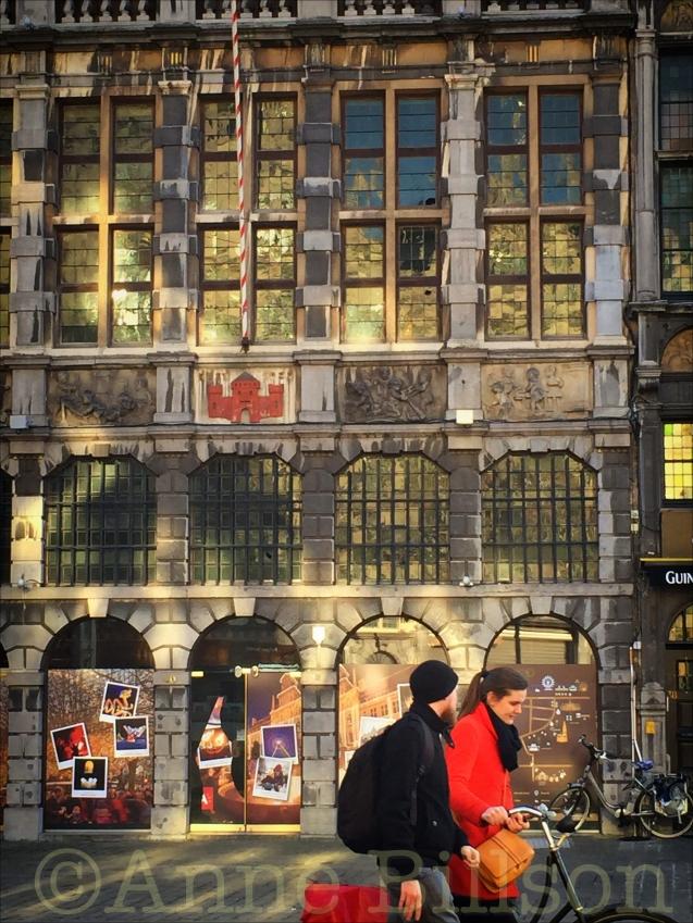 Gouden ramen: Grote Markt, Antwerpen.