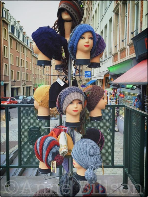 Hoofden: Bergstraat, Brussel.