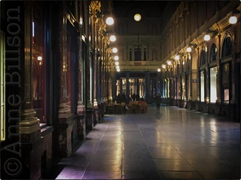 Sint-Hubertusgalerijen bij nacht: Sint-Huburtusgalerijen, Brussel.