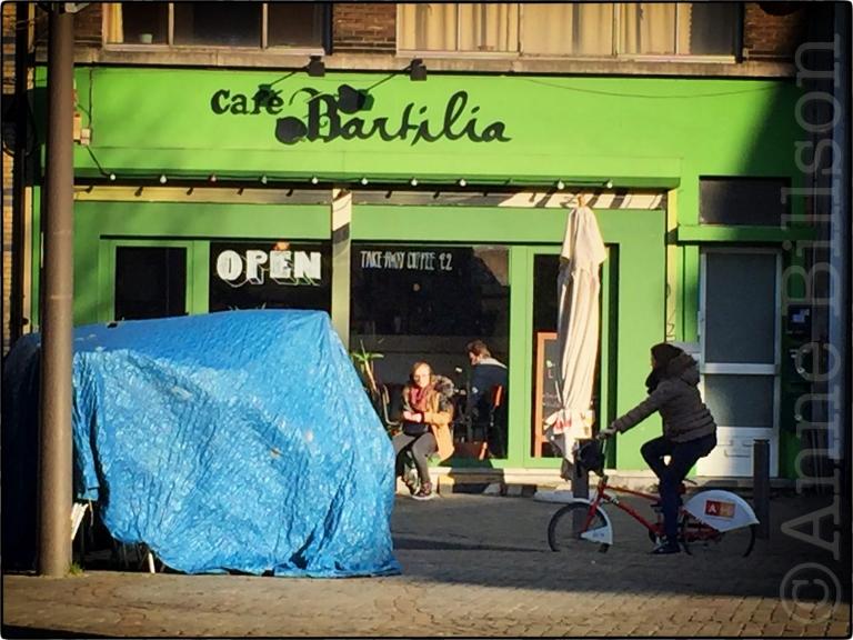 Café Bartilia: Falconplein, Antwerpen.