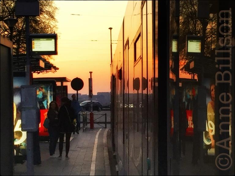 Leunend uit de tram: Poelaertplein, Brussel.