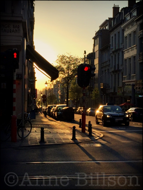 Berckmansstraat laat in de middag: Berckmansstraat, Sint-Gillis.
