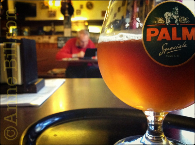 Palm bij Journal, 5.2%: Le Journal Bar, Charleroise Steenweg 171, Sint-Gillis.
