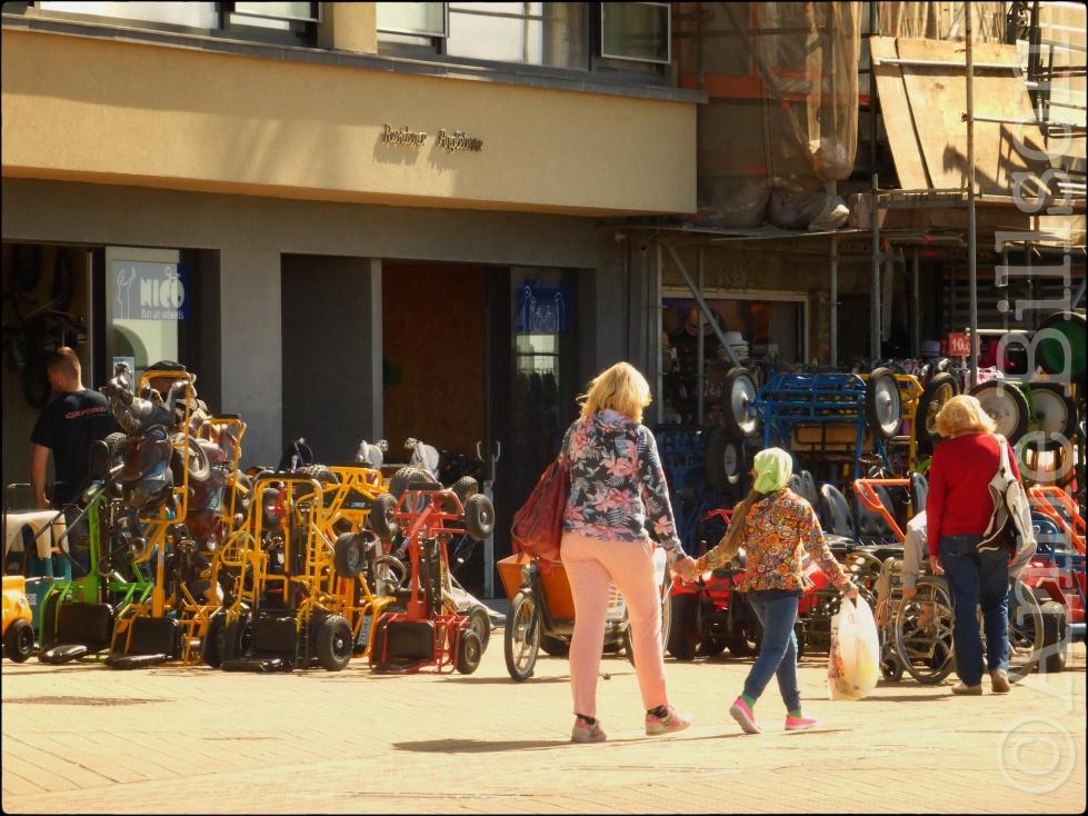 Fun on wheels: Albert I-promenade, Oostende.