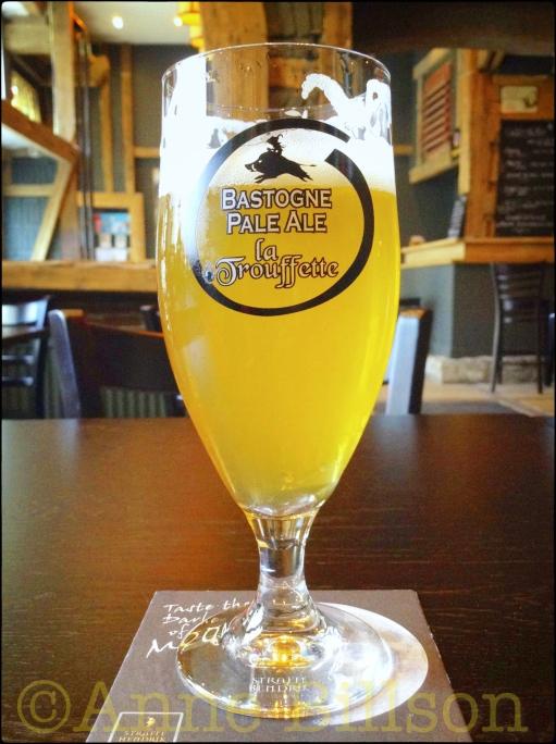 Bastogne Pale Ale (5.5%): L'auBIÈREgiste,  Waterleidingsstraat 61, Sint-Gillis.