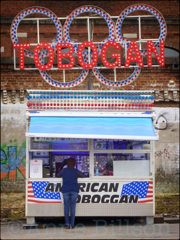 Tobogan: De kermis van Namen, Rue des Bourgeois, Namen.