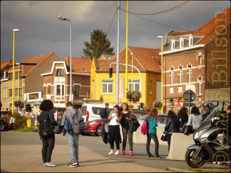 Roze sneakers: Grimbergen Stelplaats, Grimbergen.
