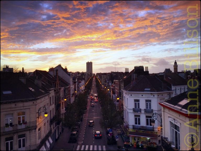 Zonsondergang over Ducpétiauxlaan: Sint-Gillis.