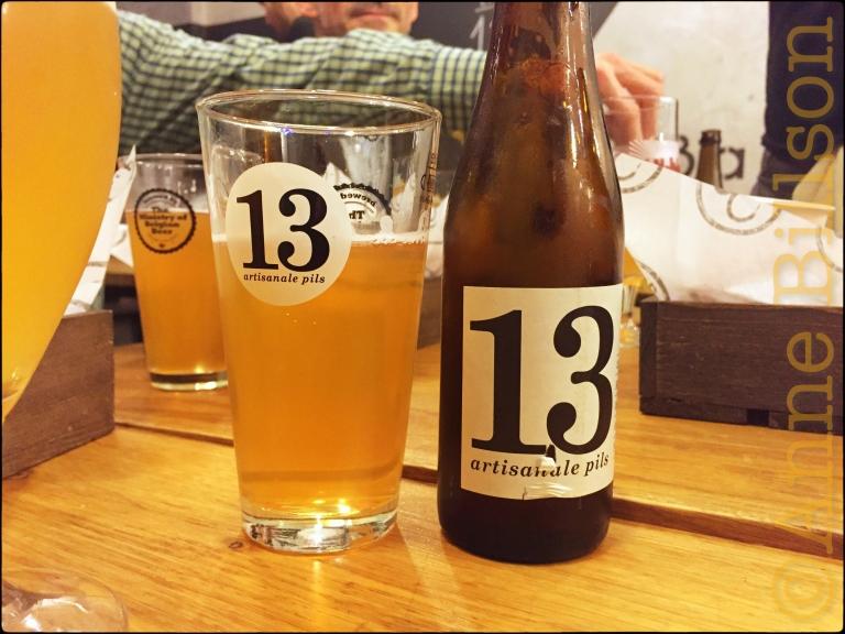 '13' artisanale pils (5.2%): Bia Mara, Kieknmarkt 41, Brussel.