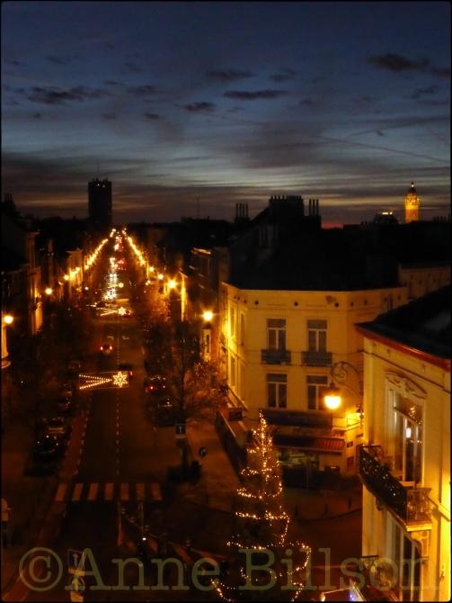Lichten en boom: Ducpétiauxlaan, Sint-Gillis.