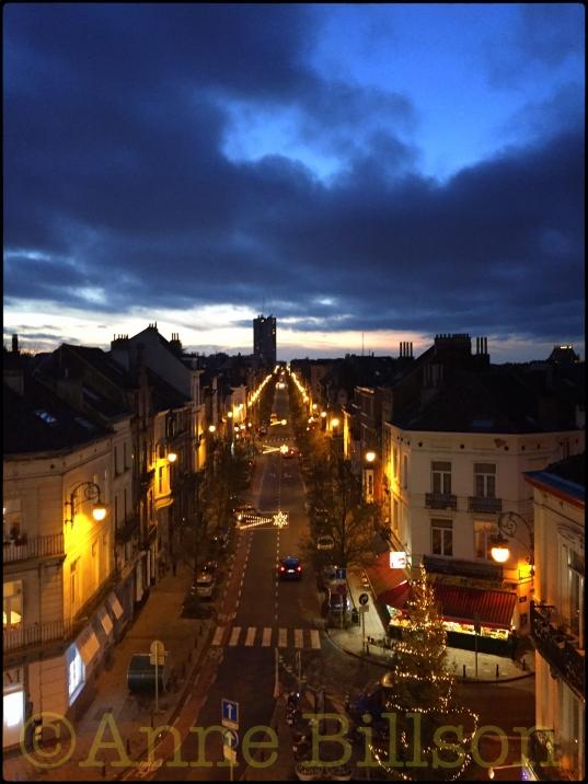 Blauwe zonsondergang: Ducpétiauxlaan, Sint-Gillis.